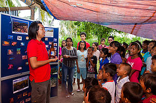 In conjuction with the World Ocean Day, an awareness activity with a marine turtle theme was conducted for the children of Kulapuan Island, one of the 49 island found in Semporna Priority Consevation Area (PCA)
